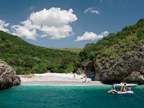 Skyscanner: in Campania 2 delle spiagge più belle d'Italia