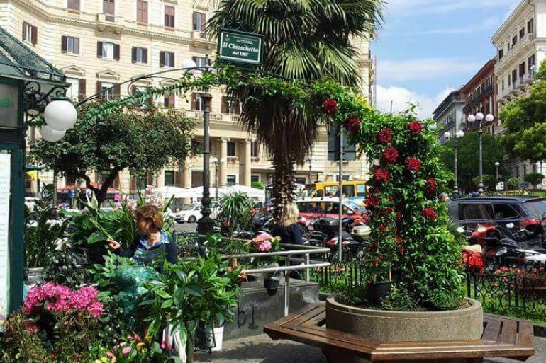 chioschetto-piazza-vanvitelli.jpg