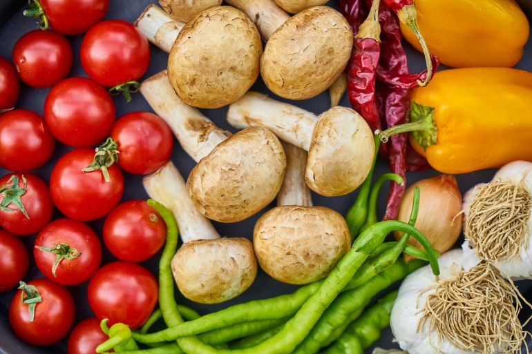 flat-lay-photography-of-variety-of-vegetables-1435904.jpg