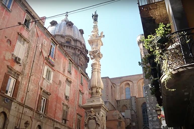 guglia-di-san-gennaro-lobelisco-più-antico-di-Napoli.png