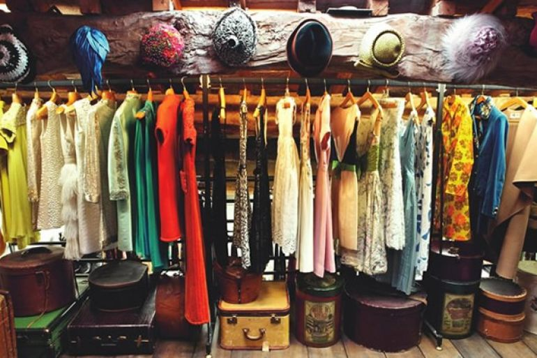 5+1 Mercatini dell abbigliamento a Napoli per uno shopping low cost ... f99de823bea