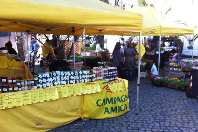 mercatini-campagna-amica-napoli-febbraio-2014.jpg