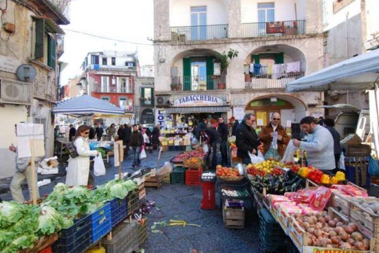 mercatino-di-antignano1.jpg