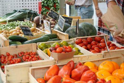 mercato-cibo-verdure-scaled.jpg
