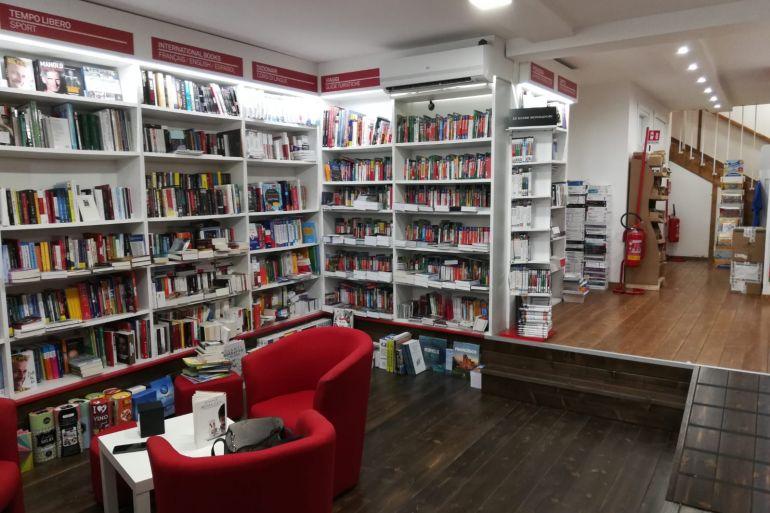 mondadori-bookstore-vomero.jpeg