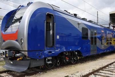 nuovo-treno-per-la-cumana-di-napoli.jpg