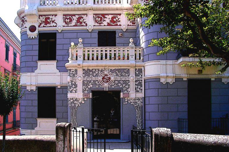 palazzo-liberty-russo-ermili-via-palizzi.jpg