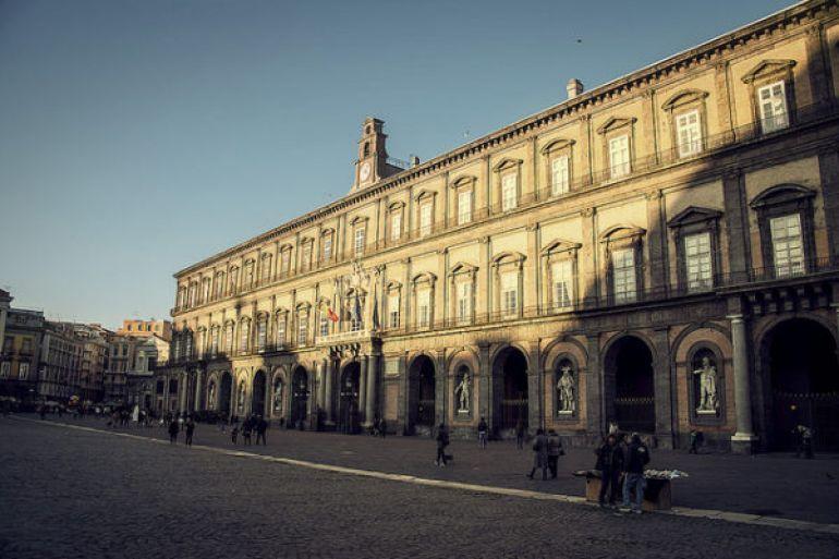 palazzo-reale-di-napoli.jpg