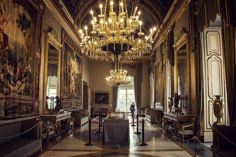 palazzo-reale-di-napoli-e1403441930408.jpg