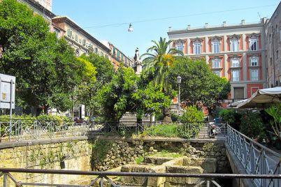 piazza-bellini-napoli.jpg