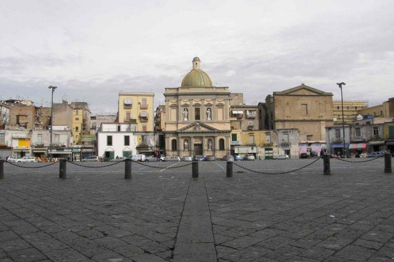 piazza-mercato.jpg