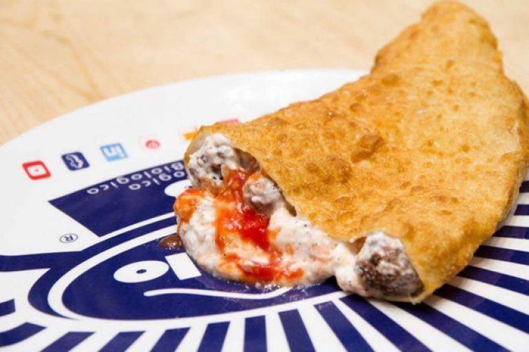 pizza-fritta-con-polpette-da-zia-esterina-al-vomero.jpg