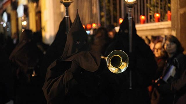 processioni-del-venerdì-santo-in-campania.jpg
