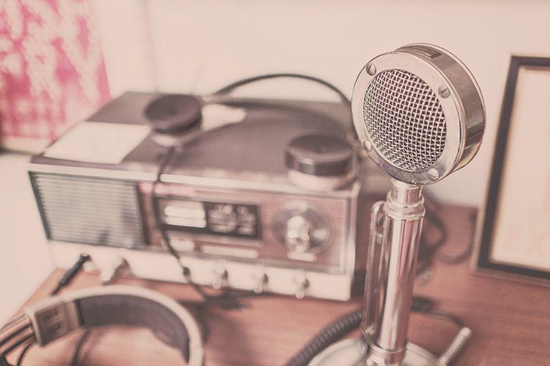sound-speaker-radio-microphone-484.jpg