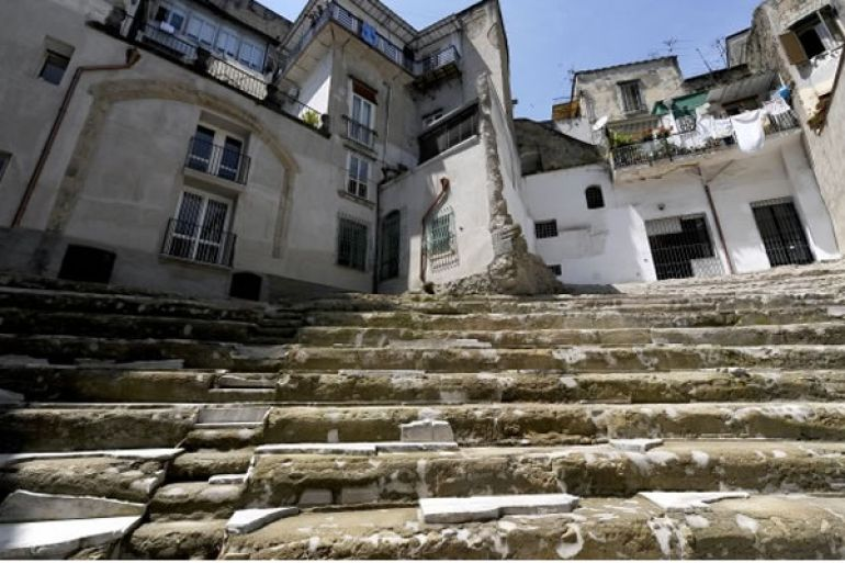 teatro-romano-di-neapolis.jpg
