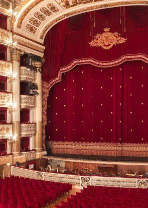 Gli spettacoli di aprile in streaming per la Stagione del Teatro di San Carlo a Napoli