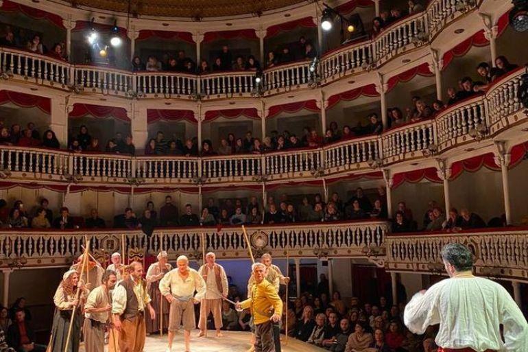 teatro-sannazzar.jpg