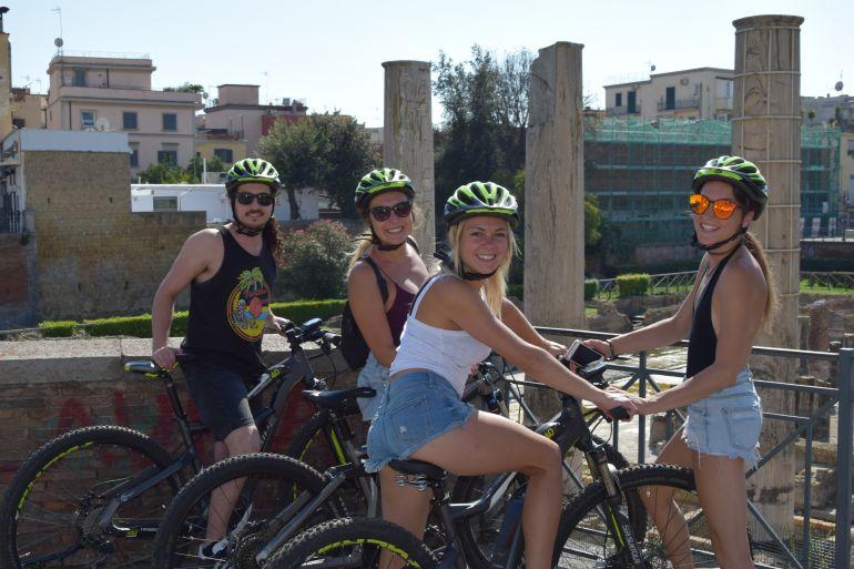 tour-in-bicicletta-elettrica-pozzuoli-e-baia.jpg