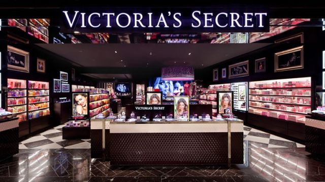 victorias-secret-napoli-via-toledo.jpg