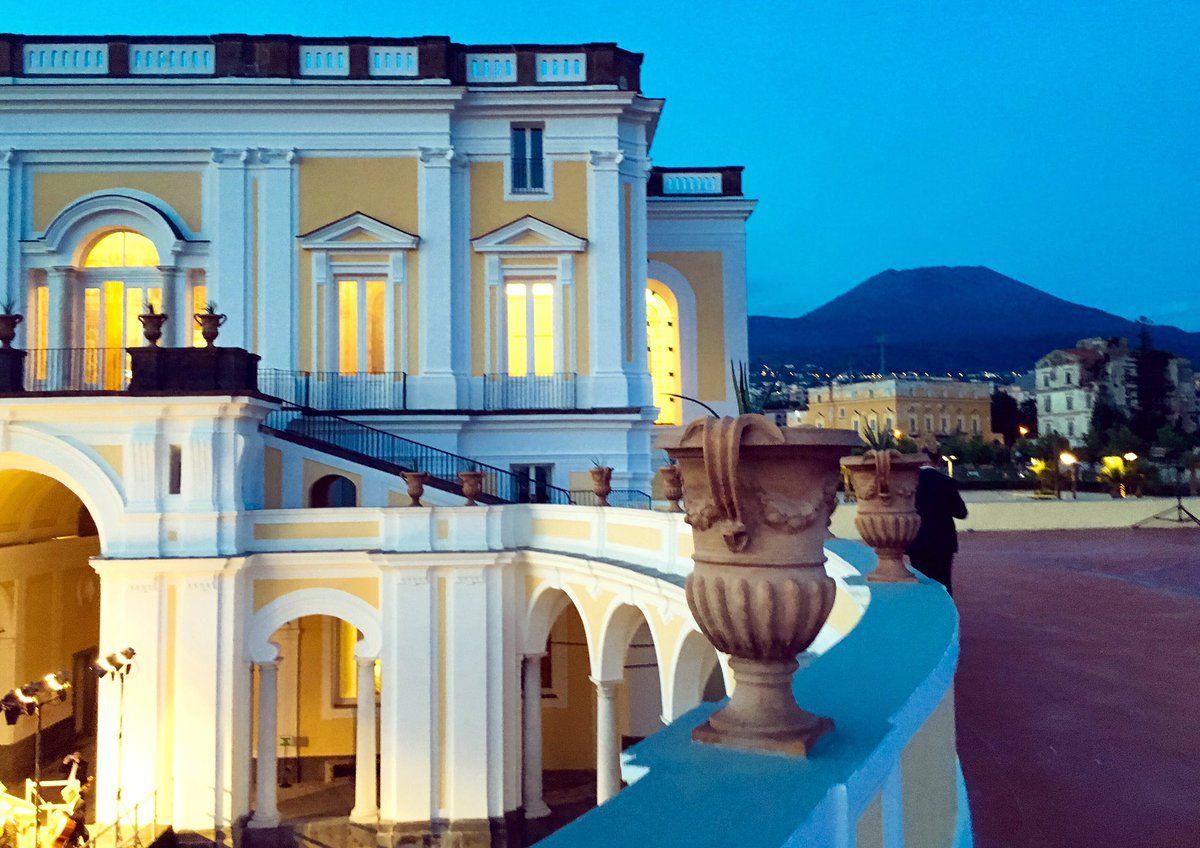 villa-Campolieto.jpg