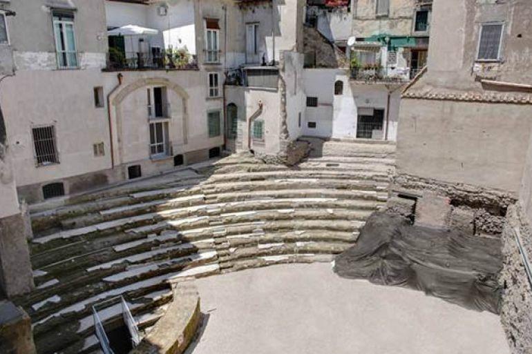 visite-gratis-teatro-romano-neapolis.jpg