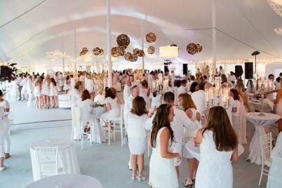 white-summer-party-napoli.jpg