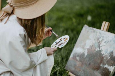 woman-painting-3094218-1.jpg