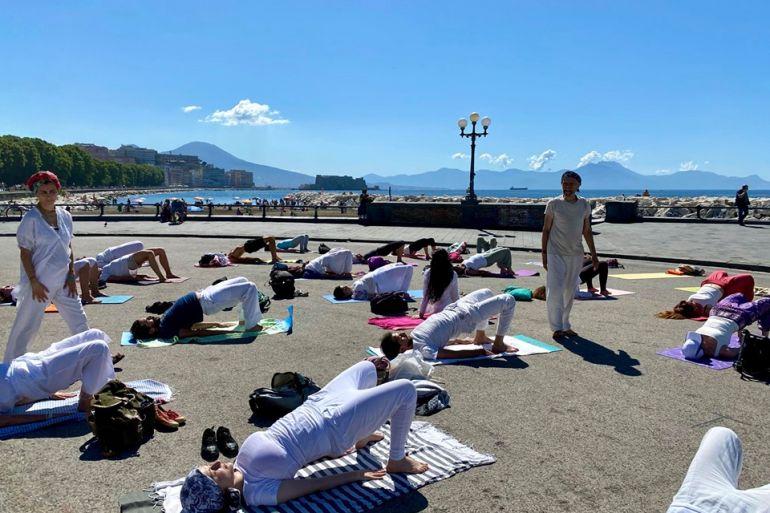 yoga-sul-lungomare.jpg