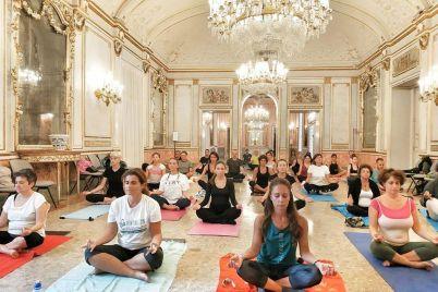 yoga-villa-pignatelli.jpg